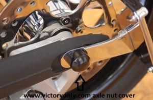 BLACK_REAR_AXLE_CAP_VICTORY_MOTORCYCLE_CUSTOM_ACCESSORIES