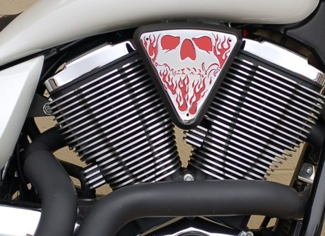 3d skull wedge Installed Victory Motorcycle Black base Red Backer Chrome Artwork