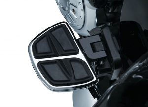 The Splined Passenger Board Mount Adapter is designed to attach to OEM passenger board mounts on Cross Country Tour and Cross Country models with OEM passenger boards mounts to allow installation of Kuryakyn floorboards or footpegs that accept splined adapters.