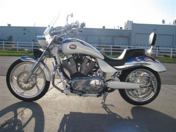 center_stand_victory_motorcycle_hammer