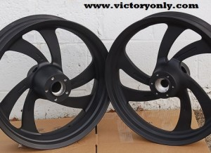 victory motorcycle kingpin pull off wheels black cerakoted custom victory motorcycles