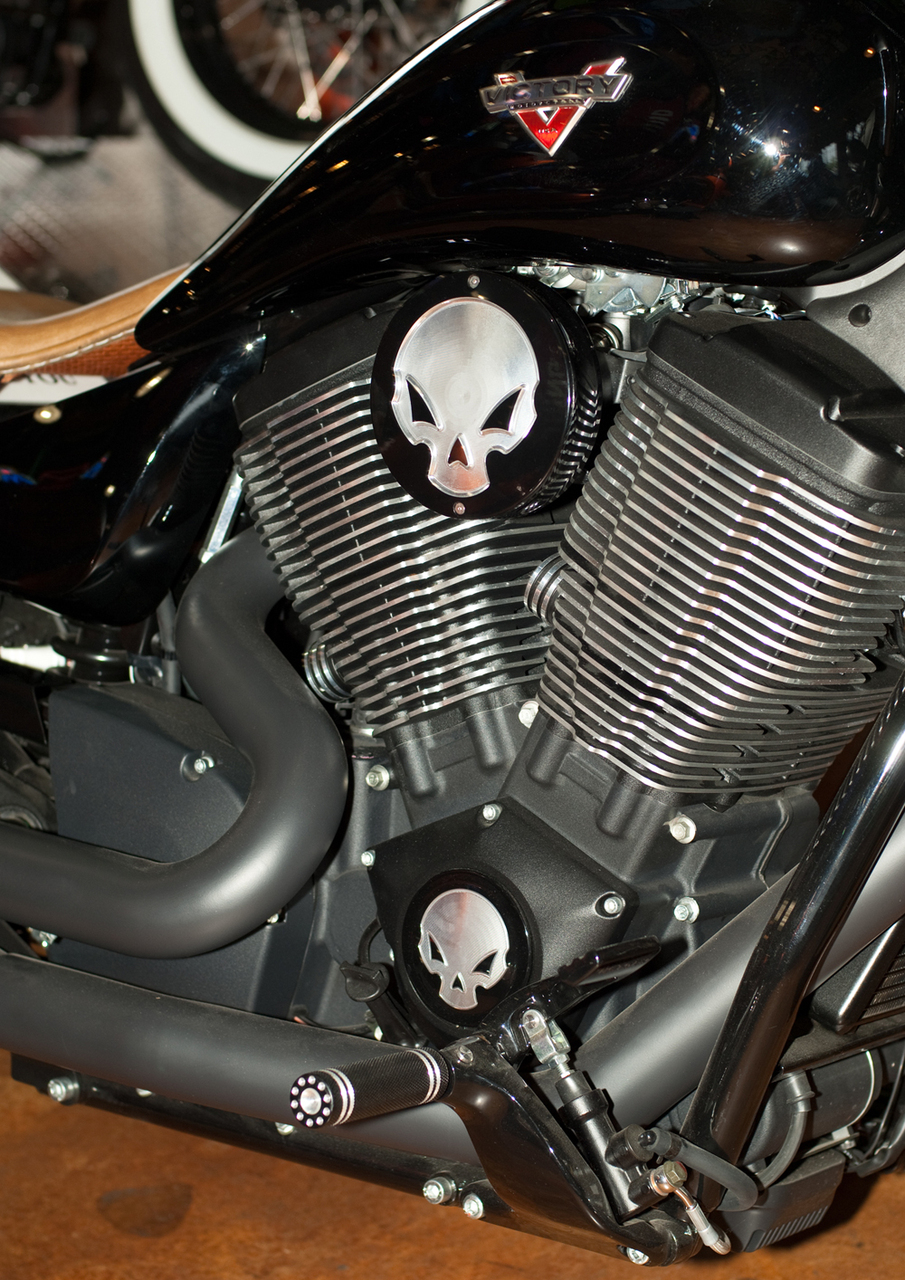 Victory Vegas 8 Ball >> Engine Cover Skull Victory Motorcycle Parts for Victory Custom Bikes