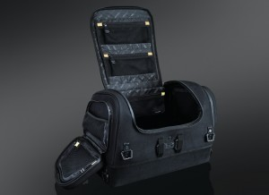 XKürsion XTR4.0 Seat /Rack Bag Universal for Luggage Rack with Sissy Bar, or Passenger Seat with or without Sissy Bar Installation on a passenger seat without sissy bar requires four-point mounting capabilities. Not suggested for use on passenger seat with tour trunk.