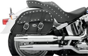 CLOSURE Quick-release COLOR Black DECORATION Plain DETACHABLE YOKE No EXPANDABLE No FITMENT Universal HEAT-RESISTANT PANEL No LIGHTED No MADE IN THE U.S.A. Yes MARKET SEGMENT Adventure Touring,Street,V-Twin MATERIAL Synthetic Leather MODEL Drifter PACKAGING Pair