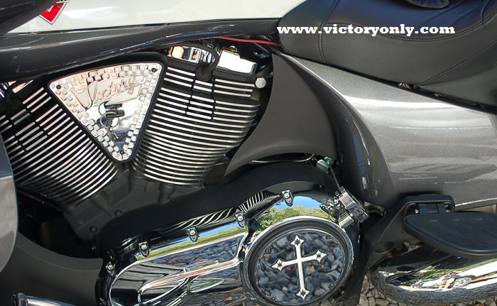 These new Chromed Billet Engine covers will give your Victory a custom look. The Inlay version has a beautifully laser cut steel powder coated and chromed inlayed artwork. BOTH SIDES ARE INCLUDED THE 180MM AND 110MM ***MADE IN THE USA*** Fits all Victory Vegas, Vegas 8 Ball, Victory Jackpot, Victory Hammer, Victory Kingpin, Victory Vision, Victory Cross Country, Victory Cross Roads, Victory Highball and more