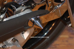 victory_only_spike_axle_chrome_custom_motorcycle 001